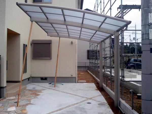 大阪府富田林市で施工したYKKのカーポート